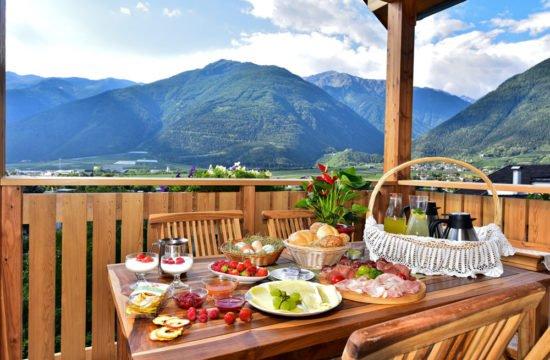 frühstück-balkon-01