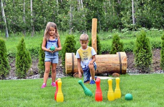 kinder-spielplatz-spielen
