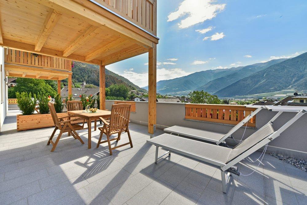 ferienwohnung-blumenwiese-terrasse